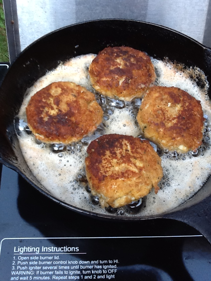 What Should You Pan Fry Crab Cakes In