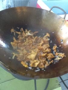 Chanterelles wok style