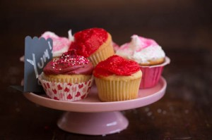red frosting cupcakes