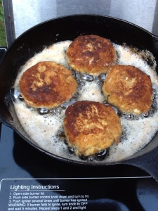 Crabcakes fried up